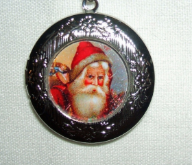 VICTORIAN SANTA Locket NECKLACE Pendant VINTAGE CHRISTMAS CARD ART